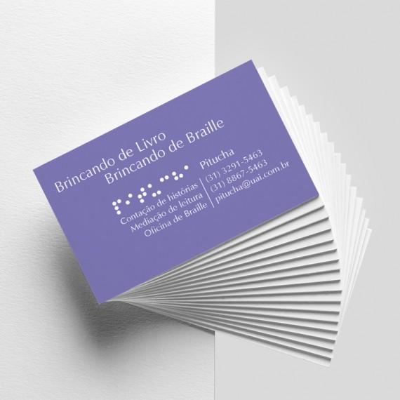 Cartão de visita colorido frente e preto e branco verso com laminação brilho