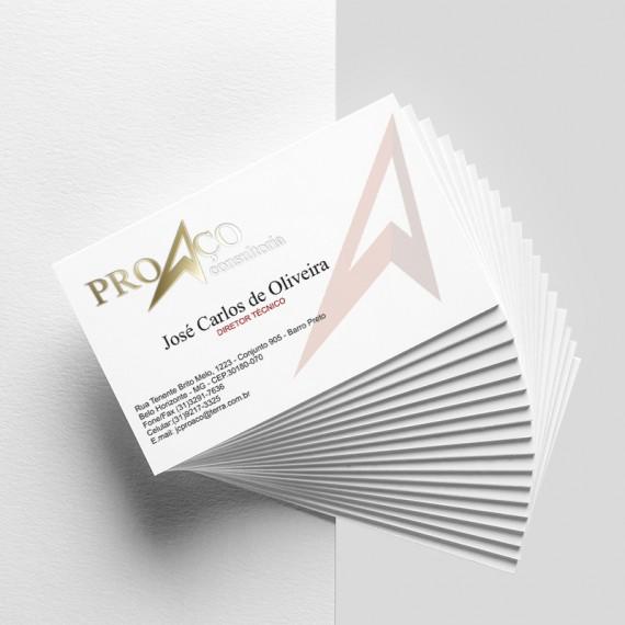 Cartão de visita colorido frente e preto e branco verso com laminação fosca e hotstamp